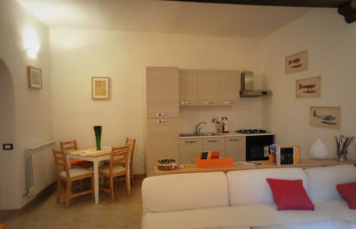 Casa indipendente con terrazzo e taverna a Faleria