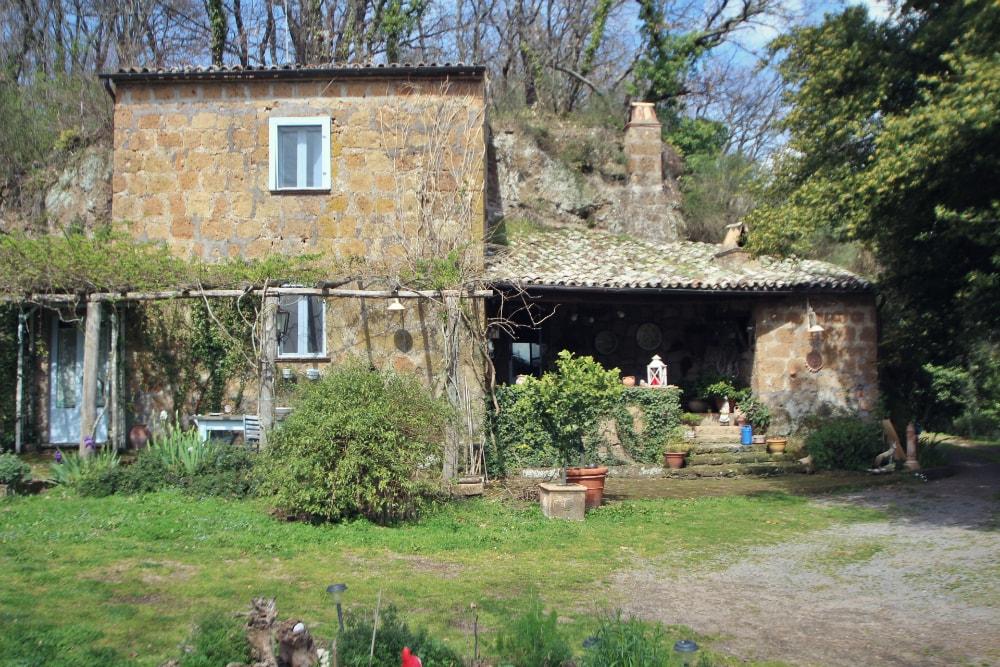 Il casale sulla valle dei calanchi le case belle for Belle case di escursionisti