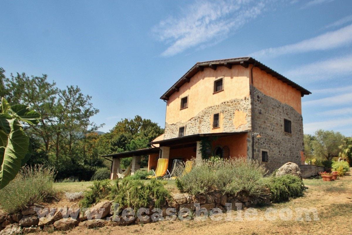 Casale ristrutturato ottima posizione a soriano le case belle
